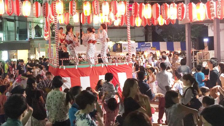 夏まつりの盆踊り
